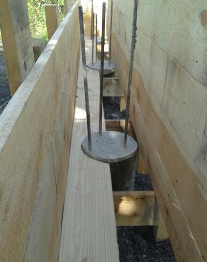Нижний пояс опалубочной конструкции